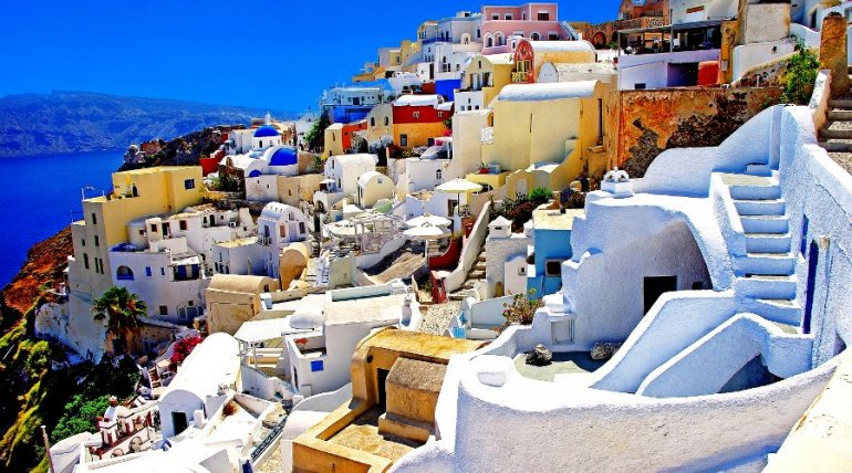 The Oia Experience